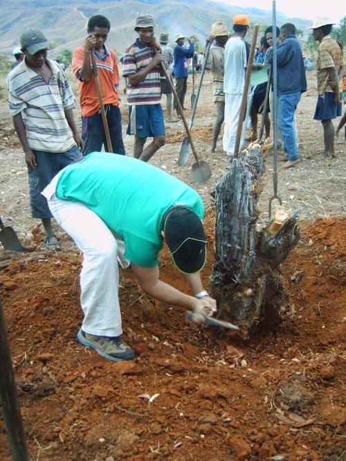 Comenzamos a construir la escuela